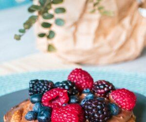fodmap diet low fodmap pancakes with berries