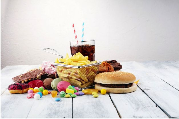Leaky Gut Diet : Image of processed foods that are bad on any diet to help heal your gut